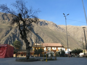 Plaza De Armas, Ollantaytambo Peru - Sacred Valley Stories
