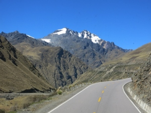 Driving towards Veronica - Apu Mountain Glacier Peru