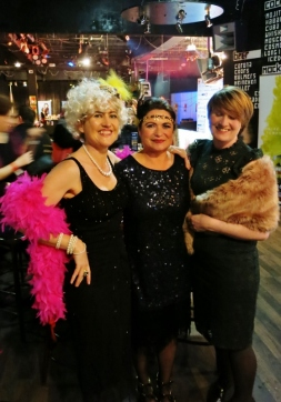 Burlesque Divas at Blog Awards in Tivoli Theatre